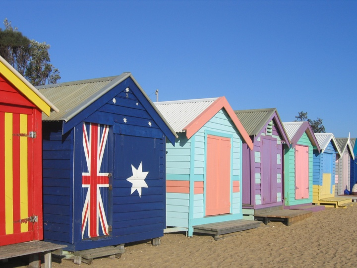 Australian-flag-beachhouse
